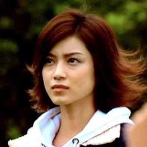 かっこいい表情の平愛梨さん