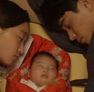 赤ちゃんと眠るの杏