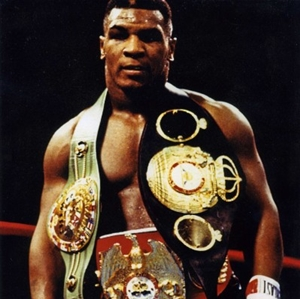マイク・タイソンの身体能力が凄い!最強ボクサー伝説の試合は?